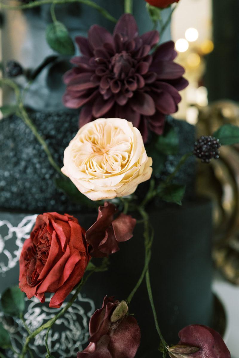 Luxury Wedding Cake, Château Villette, Black Cake, Bouchra Sugar Designer