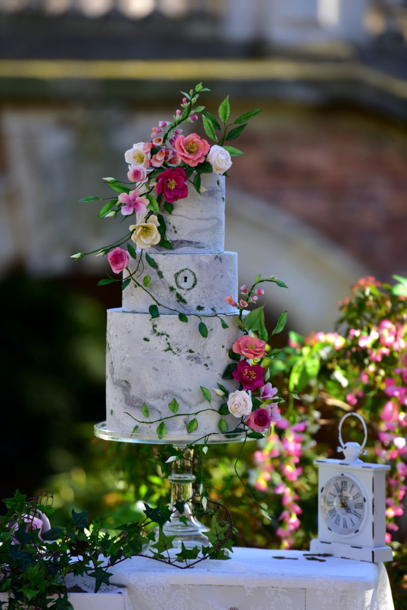 Secret Garden Cake Art, Sugar Flowers, Paris, Bouchra Sugar Designer